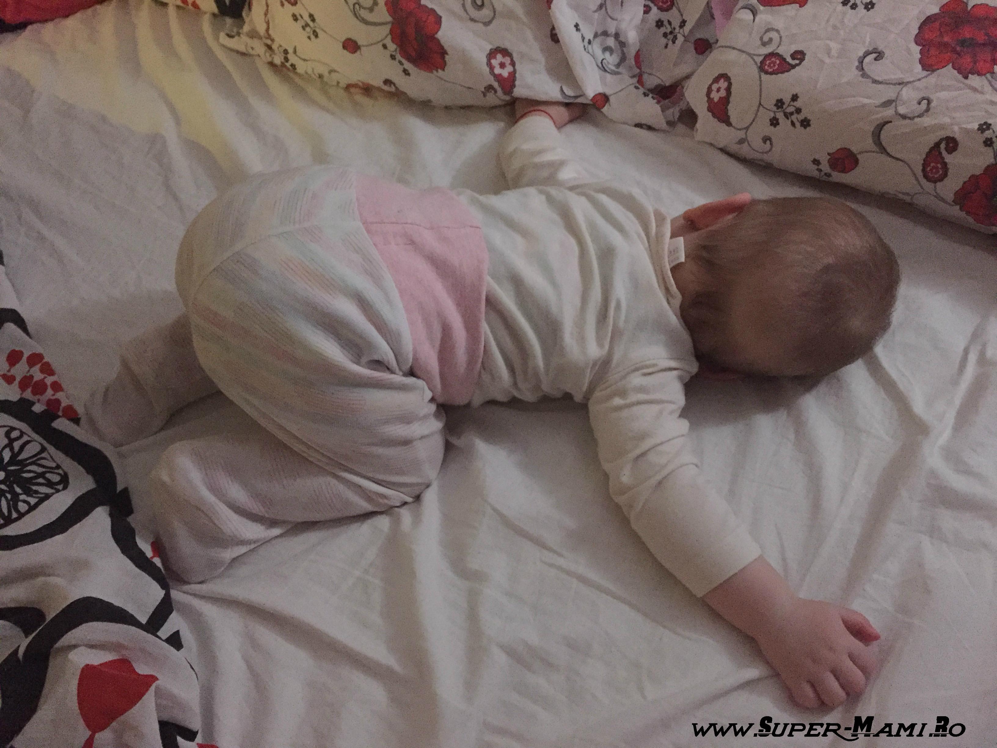 cum doarme un bebelus 7 luni