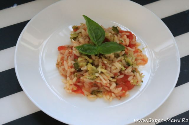 orez cu broccoli si rosii la steamer