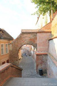 Ce să faci în Sibiu cu copilul? Pasajul Scărilor