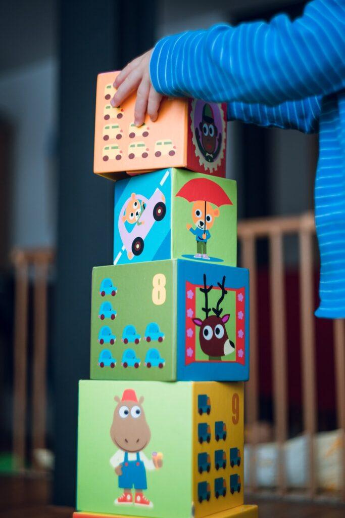 Cum să lucrezi de acasă eficient cu un copil pe lângă tine - sfaturi din experiența mea