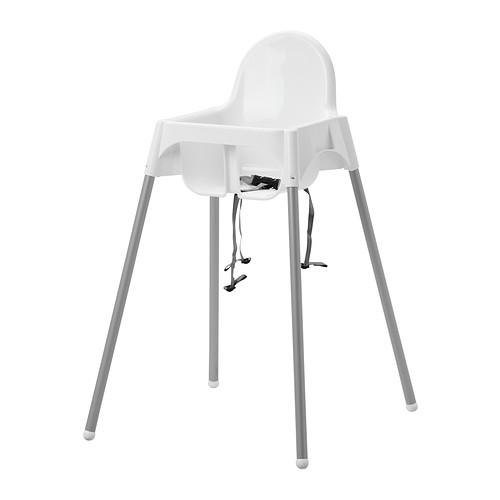 Cinci lucruri pe care să i le iei bebeluşului după şase luni de viaţă: scaun de masă Antilop Ikea